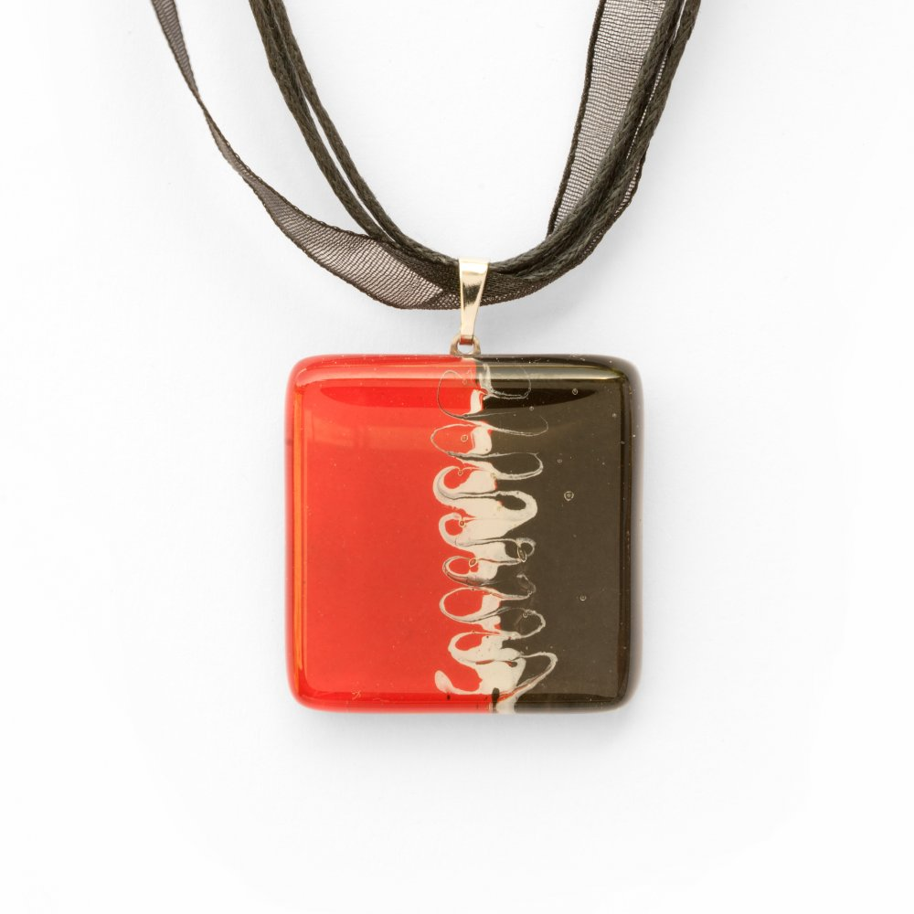 Glass pendant square red R3D P0913