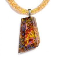 Cut amber glass jewel PRV0801
