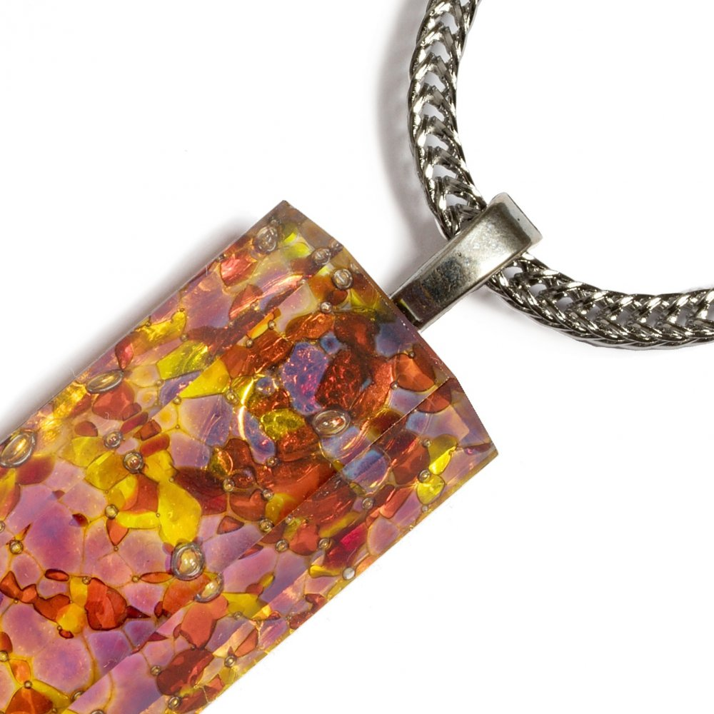 Cut, glass jewel in amber color PRV0810